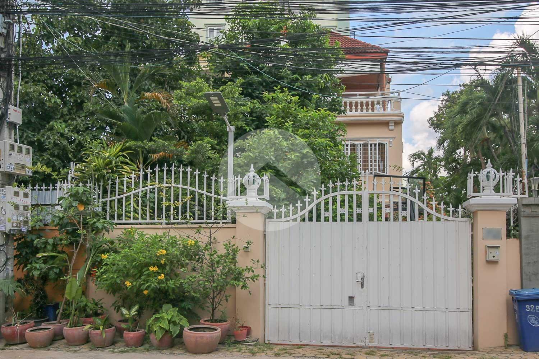 4 Bedroom Villa For Sale -Bassac Lane, Phnom Penh