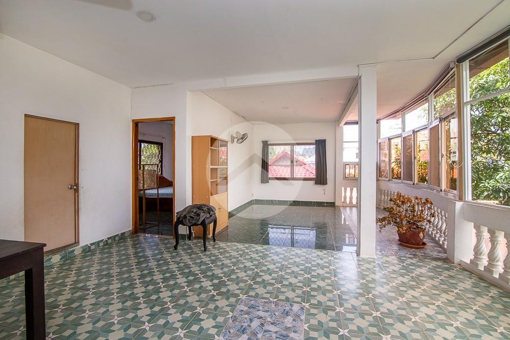 4 Bedrooms Apartment For Rent -Tonle Bassac, Phnom Penh