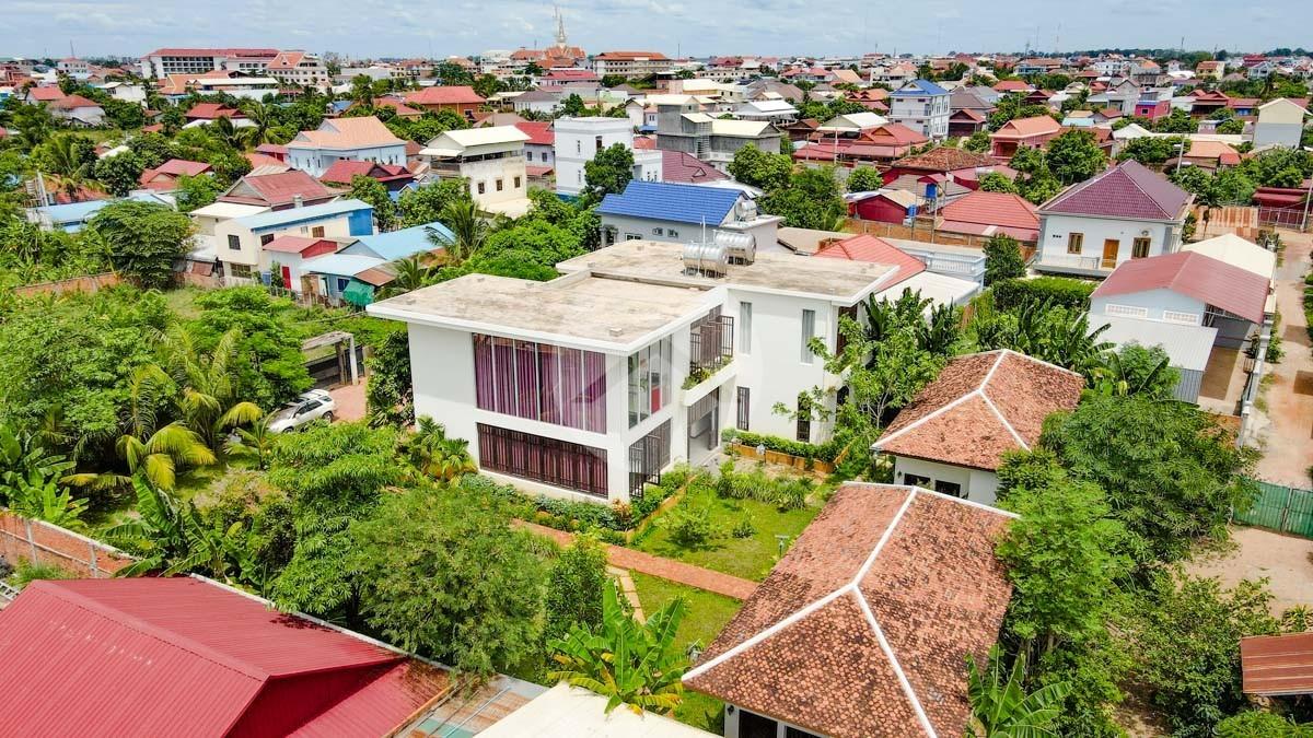 7 Bedroom Villa Compound For Sale - Slor Kram, Siem Reap