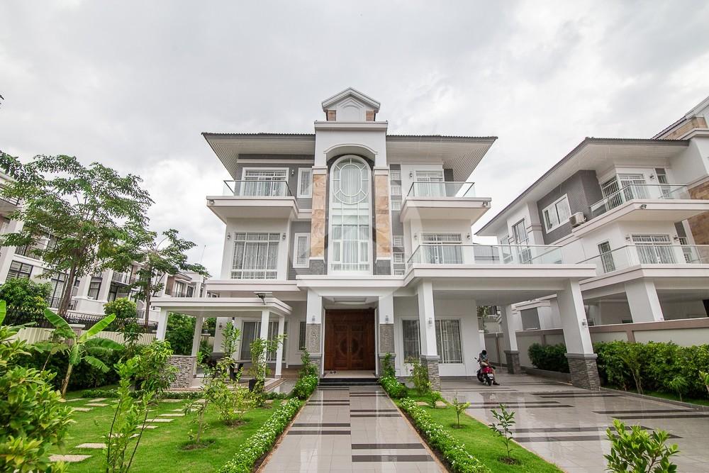 6 Bedroom Queen Villa For Rent - Near ISPP, Phnom Penh
