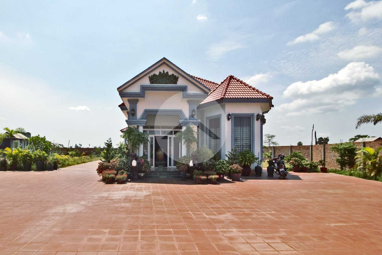 6 Bedroom Villa For Sale - Kandaek, Siem Reap