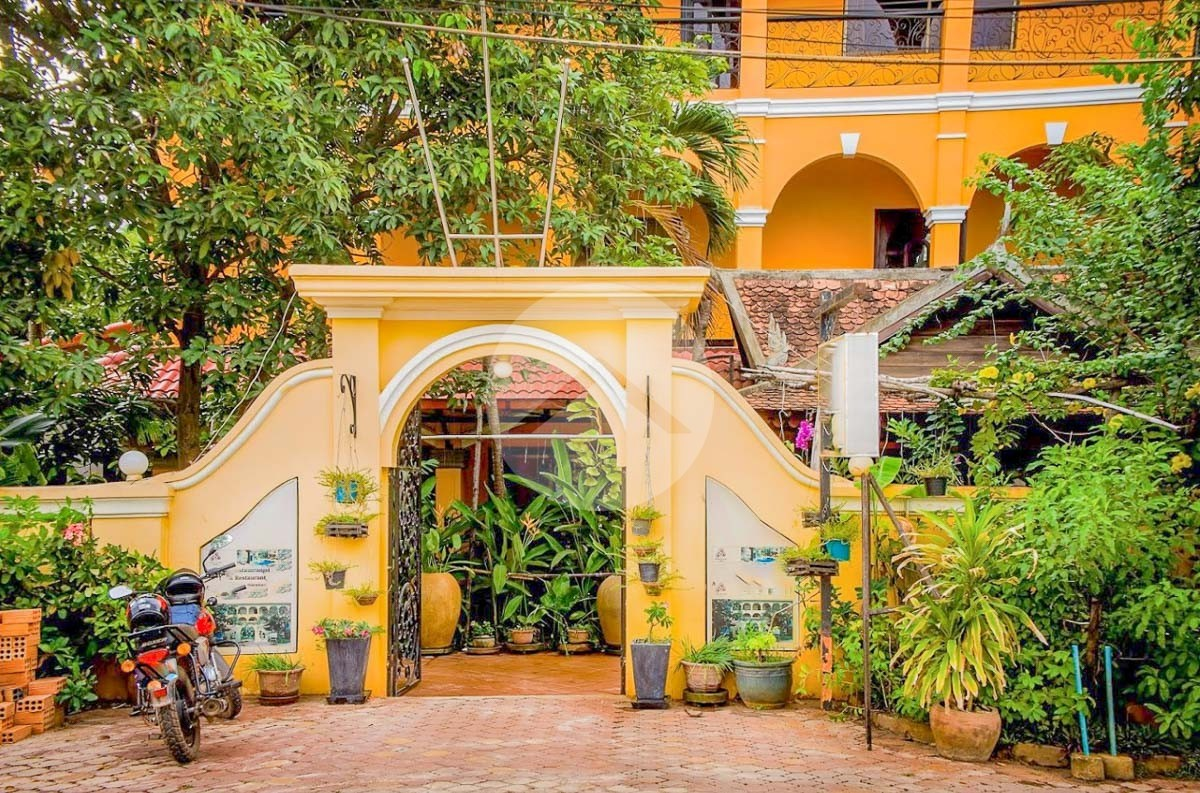 35 Bedroom Hotel For Rent - Svay Damgkum, Siem Reap