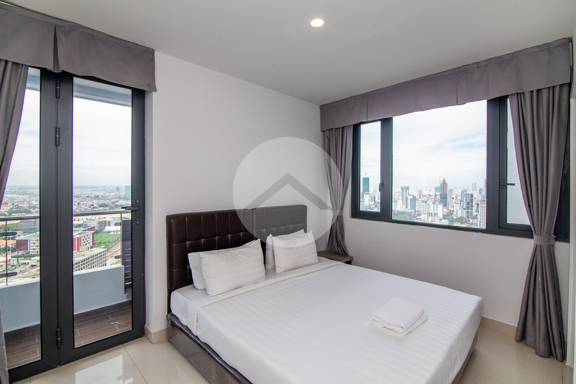 3 Bedrooms  Condo  For Sale - Tonle Bassac, Phnom Penh