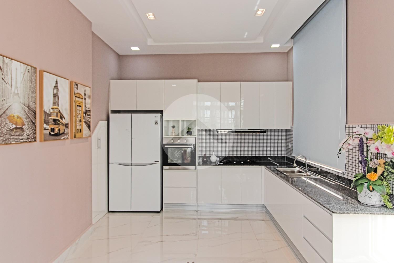 3 Bedroom Villa For Sale - Svay Thom, Siem Reap