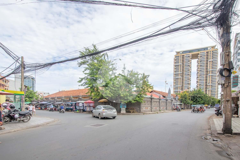 18 Bedroom Linked Shophouse For Sale - Sangkat Olympic, Phnom Penh