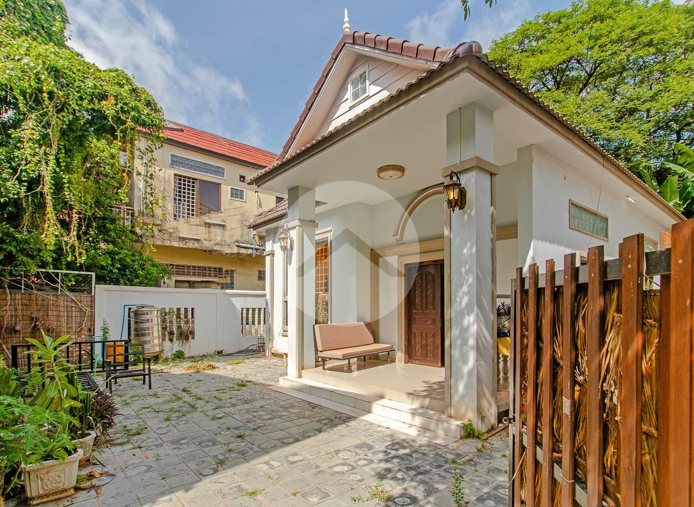 2 Bedroom Villa For Sale - Slor Kram, Siem Reap