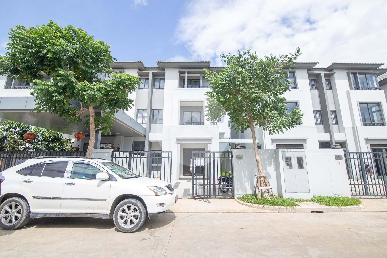 4 Bedroom Twin Villa For Rent - Chak Angrae Kraom, Phnom Penh