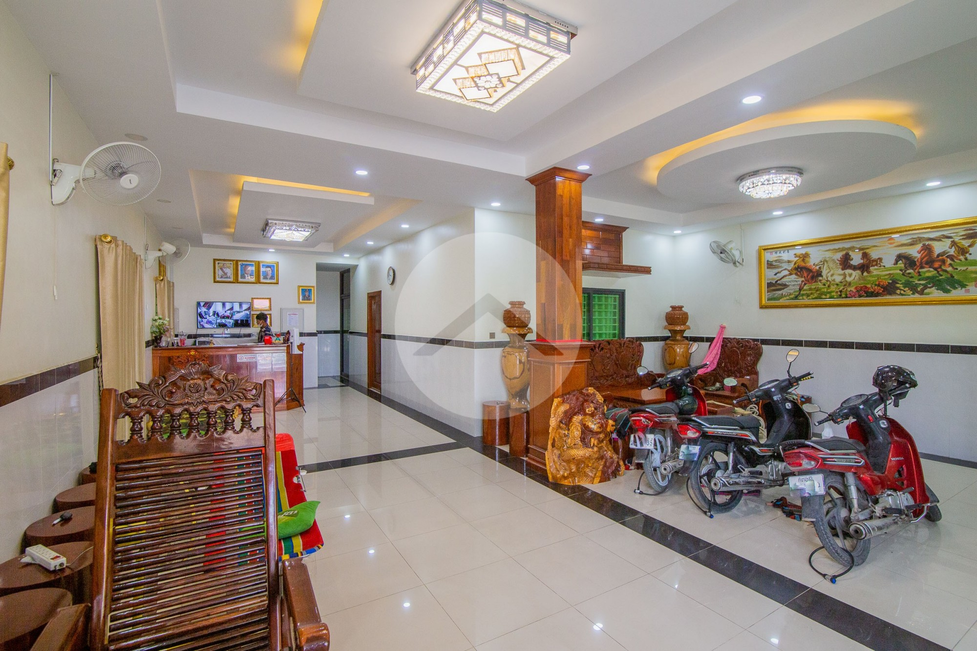 17 Bedroom Guesthouse For Rent - Teak Thla, Phnom Penh
