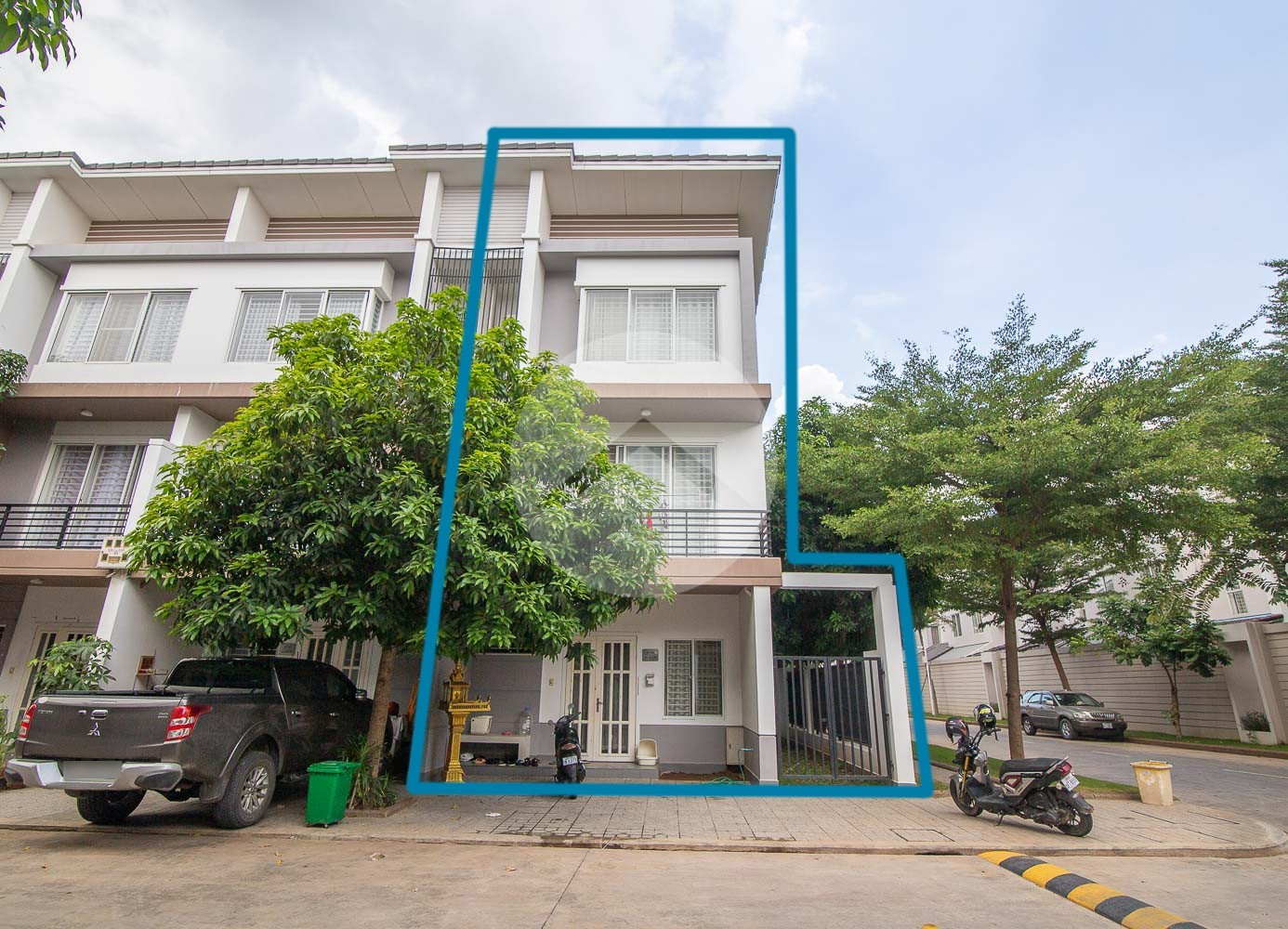 3 Bedroom Linked House For Sale - Nirouth, Phnom Penh