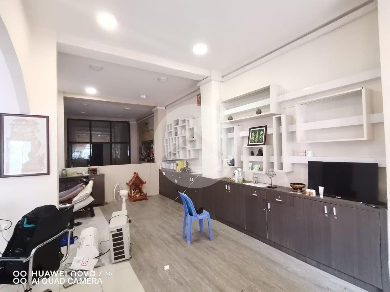 10 Bedroom Commercial Villa For Rent - BKK1, Phnom Penh