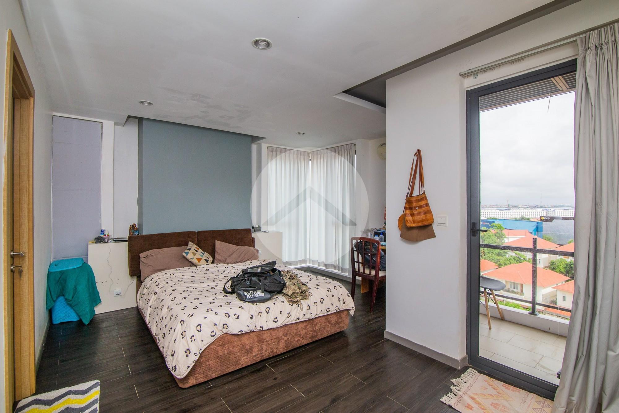 3 Bedroom Condo For Sale - Chroy Changvar, Phnom Penh