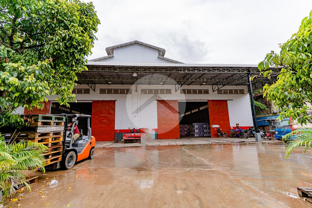 800 Sqm Warehouse For Rent - Sala Kamreuk, Siem Reap