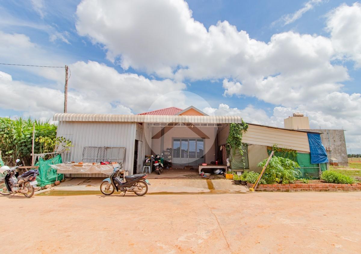 4 Bedroom House For Sale - Kandaek, Siem Reap