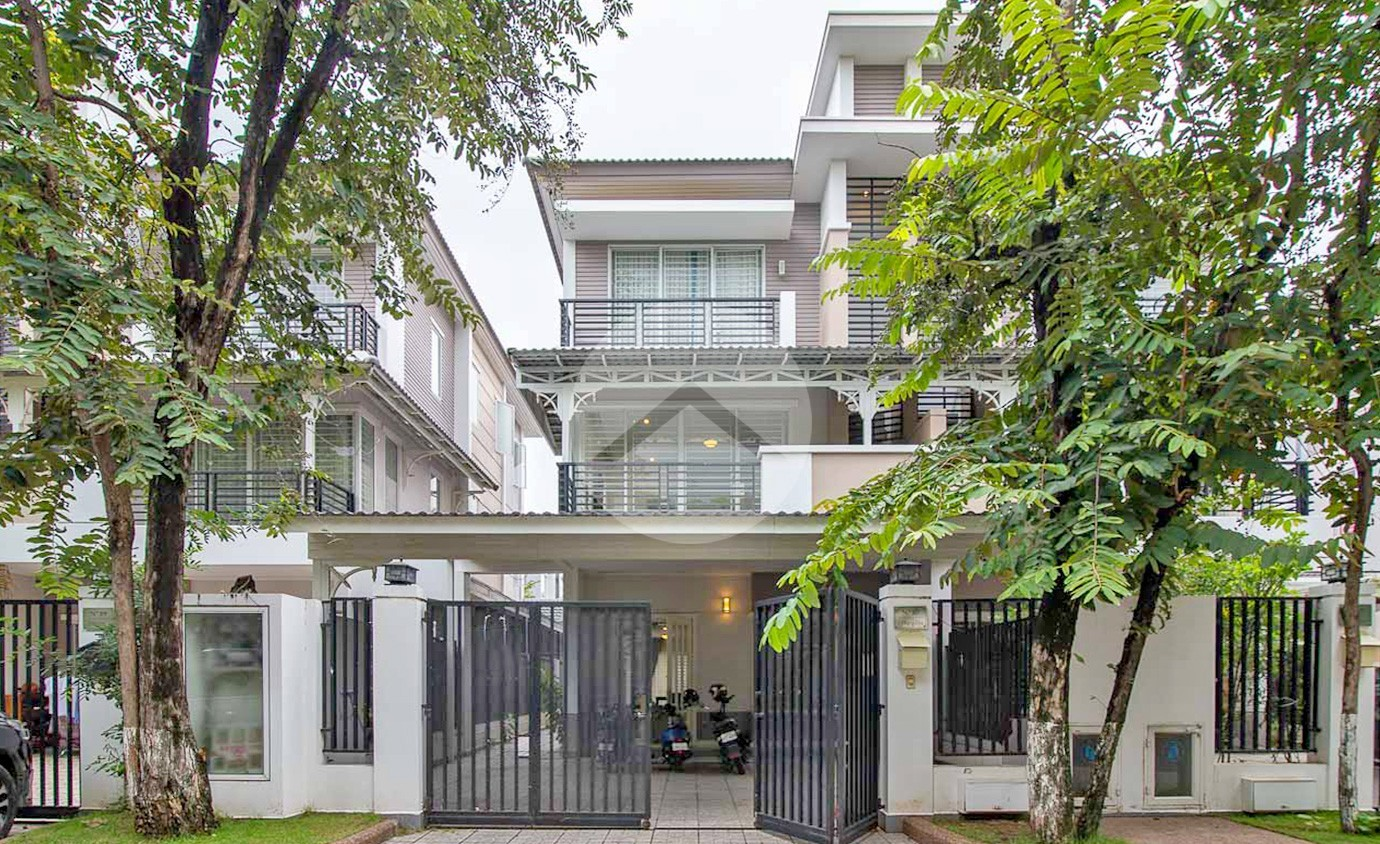 4 Bedroom Twin Villa For Rent - Nirouth, Phnom Penh