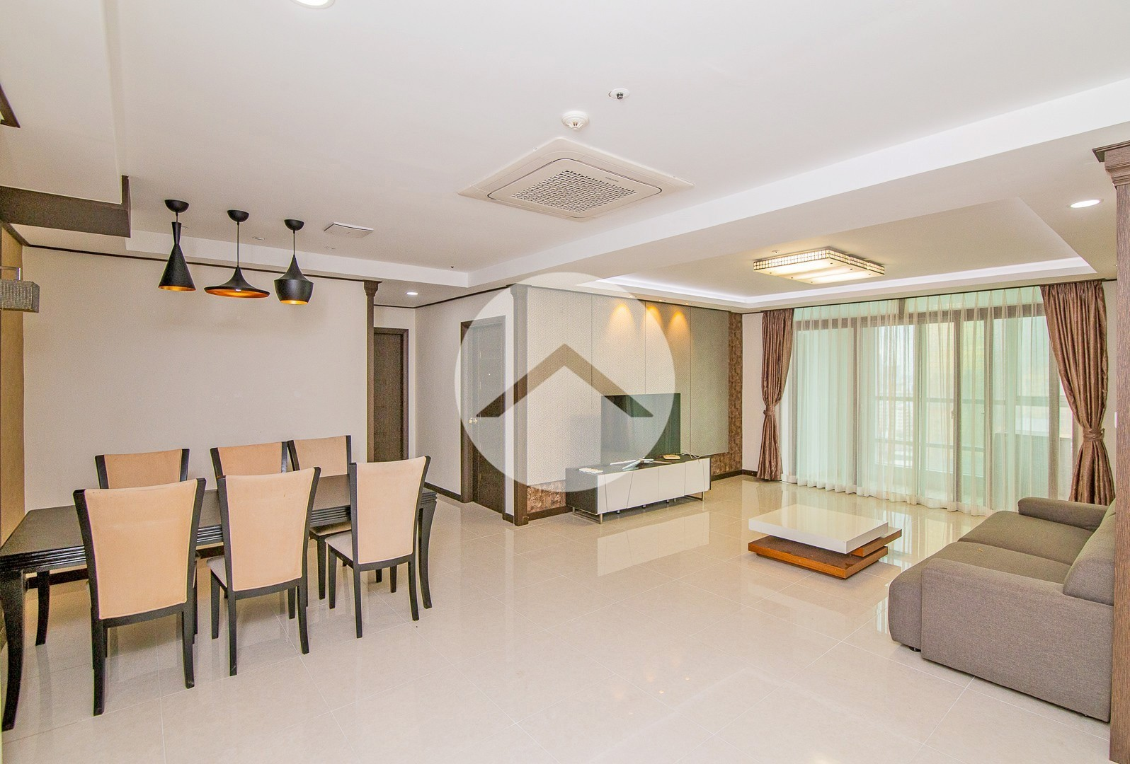 3 Bedroom Condo For Rent - Decastle Royal, Phnom Penh