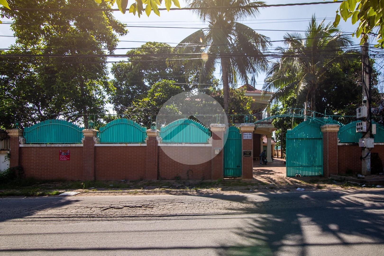 4 Bedroom Villa For Rent - Chroy Changvar, Phnom Penh