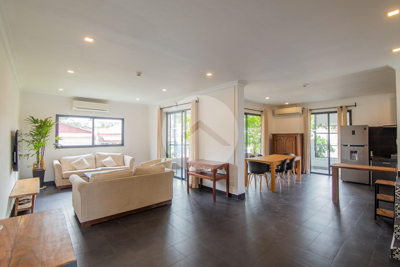 3 Bedroom Renovated Apartment For Rent - Chaktomuk, Phnom Penh