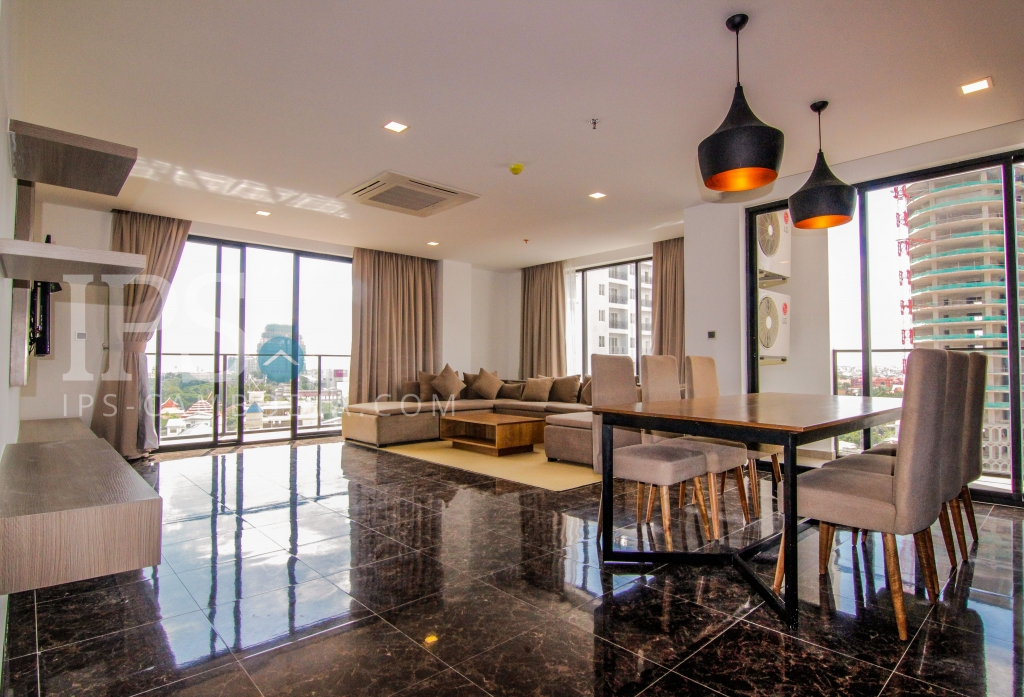 Delightful Three Bedrooms in BKK1 For Rent